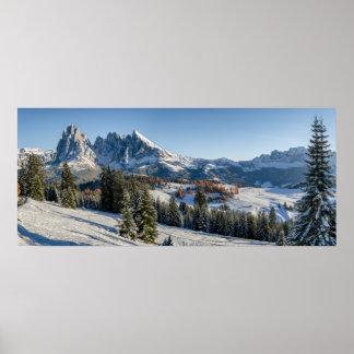 Alpe di Siusiの冬の景色ポスター ポスター