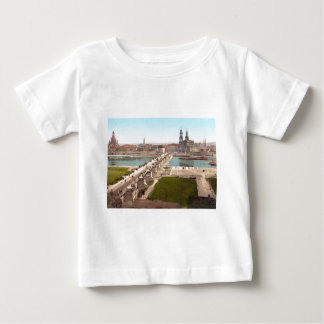 Altstadt戦争大臣からの古い都市ドレスデンの眺め ベビーTシャツ