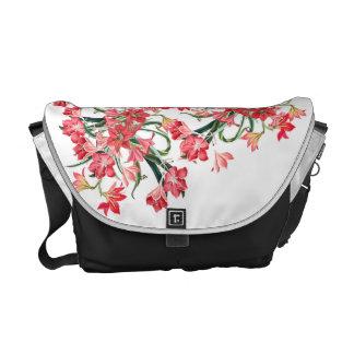 Amarylisの赤い花の花の庭のメッセンジャーバッグ メッセンジャーバッグ
