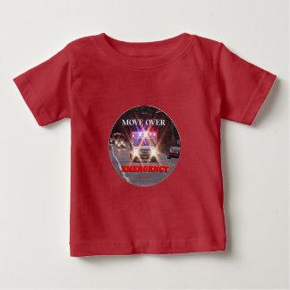 Ambulance_Move_Over.gif ベビーTシャツ