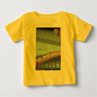 Ando Hiroshige著突然のシャワー ベビーTシャツ