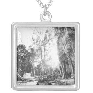 Angkorカンボジアの詳細Ta Prohm シルバープレートネックレス