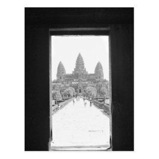 Angkorカンボジア、アンコール・ワットの戸口の眺め ポストカード