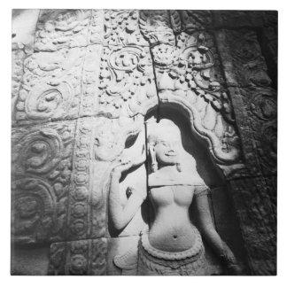 Angkorカンボジア、Bayonを切り分けるApsara タイル