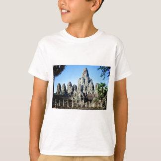 Angkor、カンボジアのBayonの寺院 Tシャツ