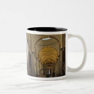 Antonioカノーバ著キューピッドそして精神のキス、 ツートーンマグカップ