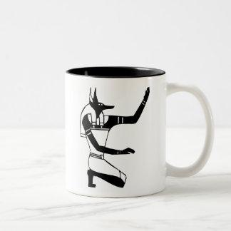 Anubisのエジプトのヒエログリフ ツートーンマグカップ