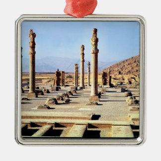 Apadanaの一般的な見解はc.518を紀元前に創設しました メタルオーナメント