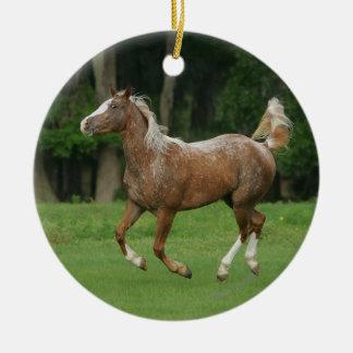 Appaloosaの馬のランニング セラミックオーナメント