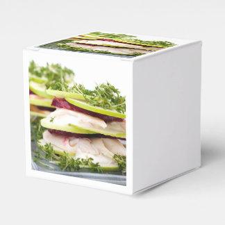 Appleおよびマスの前菜 フェイバーボックス
