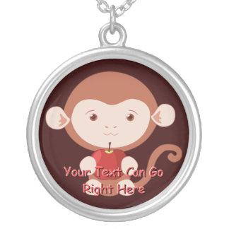 Appleの赤いネックレスを持つ猿 シルバープレートネックレス