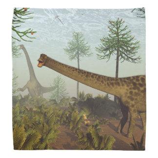 araucariaの木- 3D間のディプロドクスの恐竜に関して バンダナ