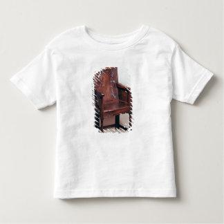 arcaded背部のおよび囲まれた側面が付いている肘掛け椅子 トドラーTシャツ
