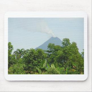 Arenalの火山、コスタリカ。 マウスパッド
