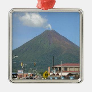 ARENALの火山、コスタリカ メタルオーナメント
