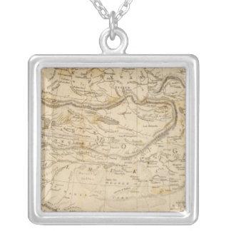 Arrowsmith著中央アジアの地図 シルバープレートネックレス