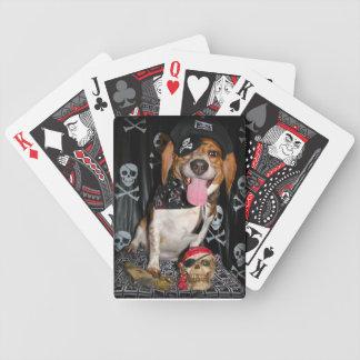 Arrrfのカードを遊んでいる海賊ビーグル犬犬 バイスクルトランプ