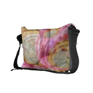 Art101ピンクの落書き-エキゾチックな海の貝 クーリエバッグ