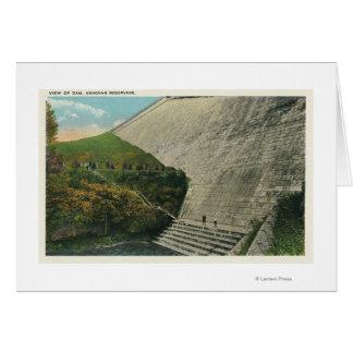 Ashokanの貯蔵所のダムの眺め カード