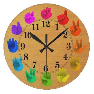 ASLの手話の虹のカラーホイール木 ラージ壁時計