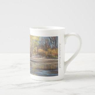 Assiniboineの河岸-骨灰磁器のマグ ボーンチャイナカップ