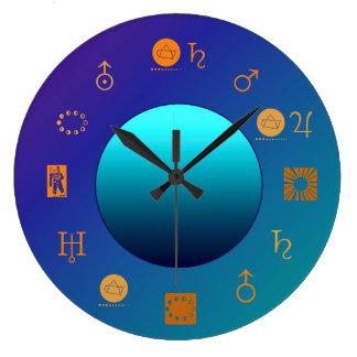 Astro Signs>の占星術の時計が付いている明るい月 ラージ壁時計
