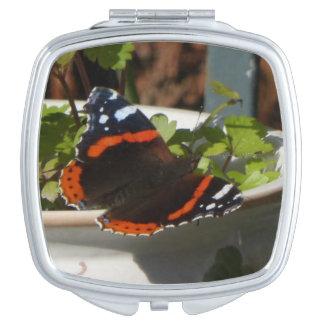 Atalantaの蝶コンパクトの鏡