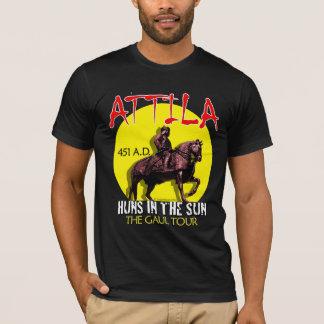 "Attila ""日曜日のフン族""旅行(女性の暗闇) tシャツ"