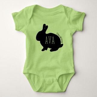 Avaイースターのウサギのベビーの上の女の子の春のパステル ベビーボディスーツ