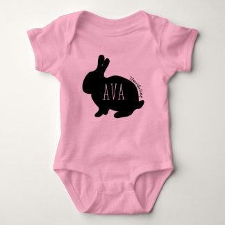 Avaイースターのウサギのベビーの上の女の子の春 ベビーボディスーツ
