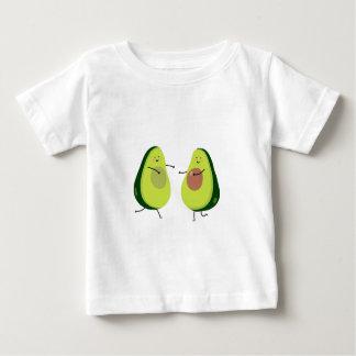 AVOCUDDLEのアボカドのデザインは ベビーTシャツ