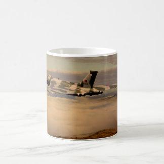 Avro Vulcanの爆撃機XH558 コーヒーマグカップ