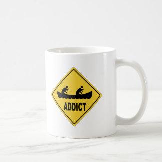 AWのカヌーをこぐこと コーヒーマグカップ