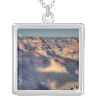 AZ、アリゾナのグランドキャニオンの国立公園、南4 シルバープレートネックレス