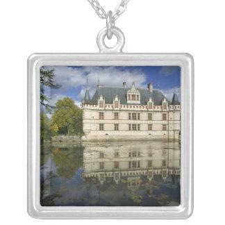Azay leRideauの館、Indre-et-Loire、4 シルバープレートネックレス