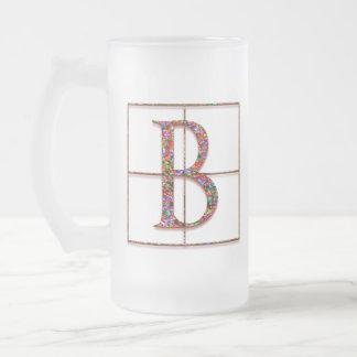 "Bの""ケルト族の煉瓦""カスタムなモノグラムのマグ フロストグラスビールジョッキ"