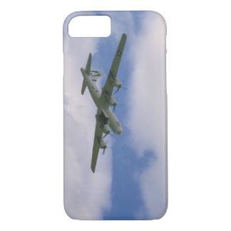 B29、青空およびClouds_WWIIの飛行機 iPhone 8/7ケース