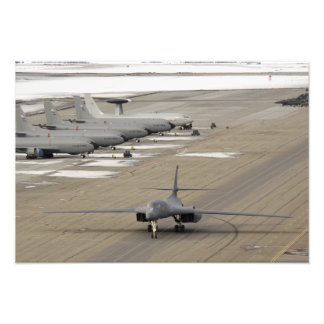 B-1Bの槍騎兵はEielsonの空軍基地で着きます フォトプリント