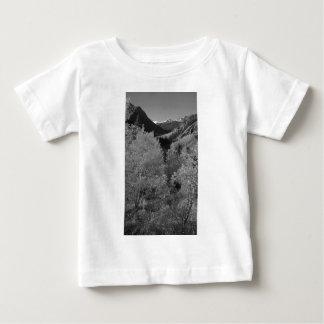 B&Wの《植物》アスペン6 ベビーTシャツ