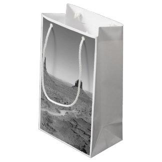 B&W記念碑の谷3 スモールペーパーバッグ
