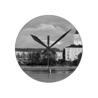 B&W Oulu ラウンド壁時計