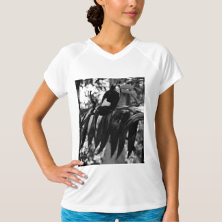 B&W Tucanoの鳥2 Tシャツ