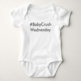 #BabyCrushWednesday ベビーボディスーツ