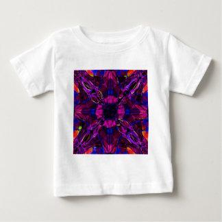 BabysのTシャツ-フラクタルパターン紫色の青いピンク ベビーTシャツ