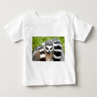 BabysのTシャツ- LemurのStripeyのかわいい尾 ベビーTシャツ