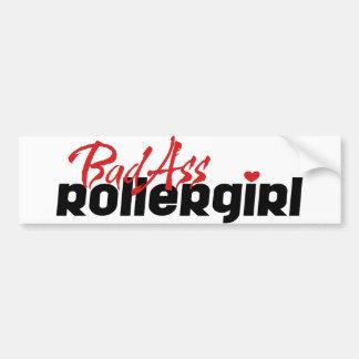 BadAssのローラーの女の子、スケートで滑るローラーダービー バンパーステッカー