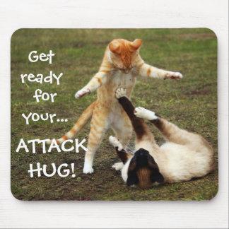 Badass猫-攻撃の抱擁 マウスパッド