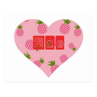 Baeのいちごのパイナップル色のハート ポストカード