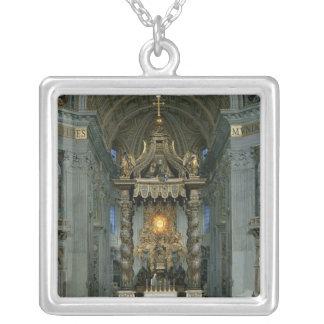 Baldacchino、主祭壇および椅子 シルバープレートネックレス
