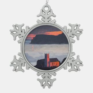 Ballintoy教会、日没のアイルランド スノーフレークピューターオーナメント